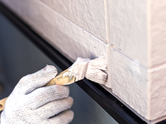 外壁塗装は、塗料によって性能、耐久年数が違います。